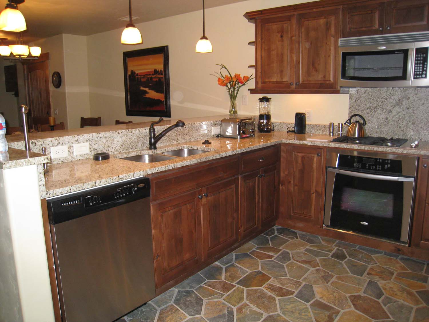Bear lodge at trappeurs crossing steamboat springs for Normal kitchen design